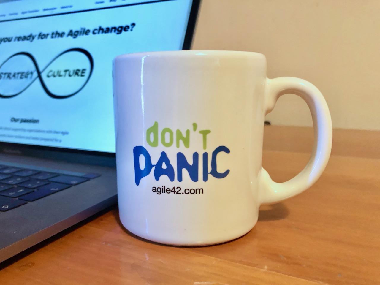 """""""Don't Panic"""" agile42 mug"""