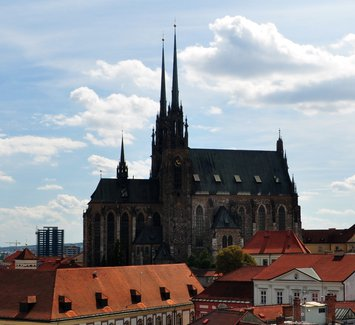Brno_-_Cathedral_of_Saints_Peter_and_Paul_2.jpg