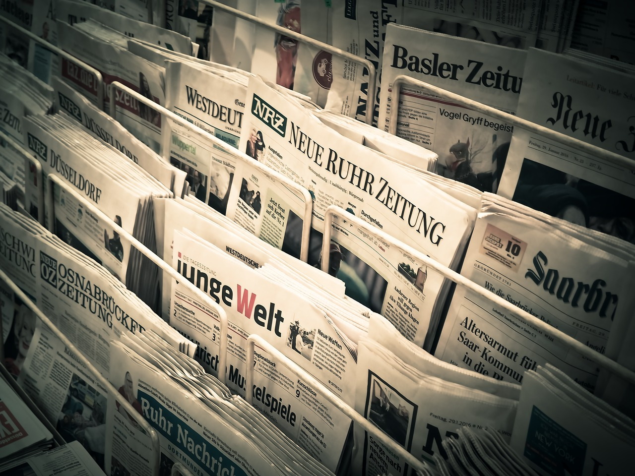 news_papers_stack